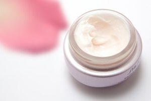 מוצרים לטיפוח העור של הרבלייף