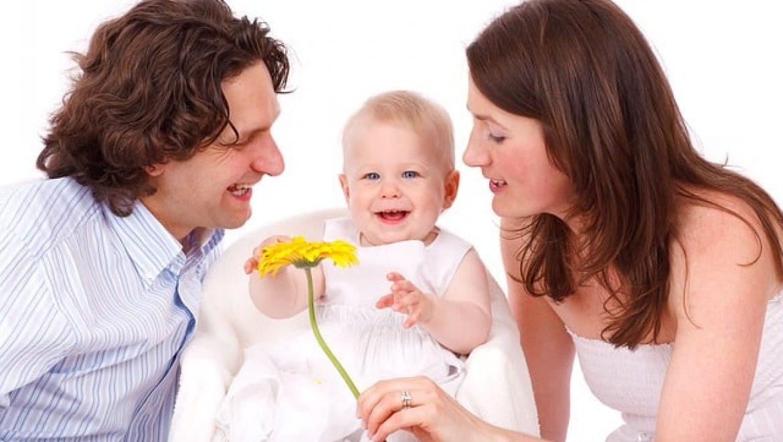 כיצד כלים מעולם הגישור יכולים לפתור מתחים שעולים בשל ילד ראשון שנכנס למשפחה