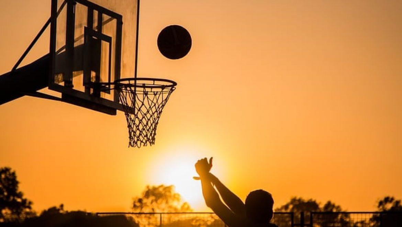 מאיזה גיל אפשר להתחיל לשחק כדורסל?
