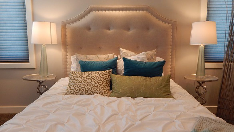 איך לעצב חדר שינה זוגי?