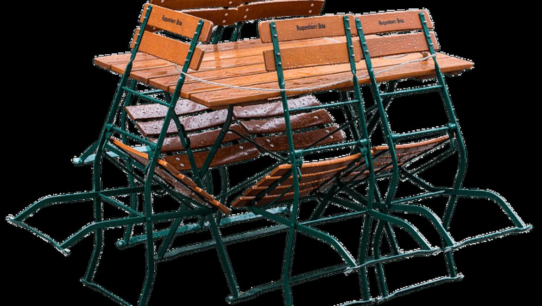 שולחן מתקפל: מוצר חובה בכל בית