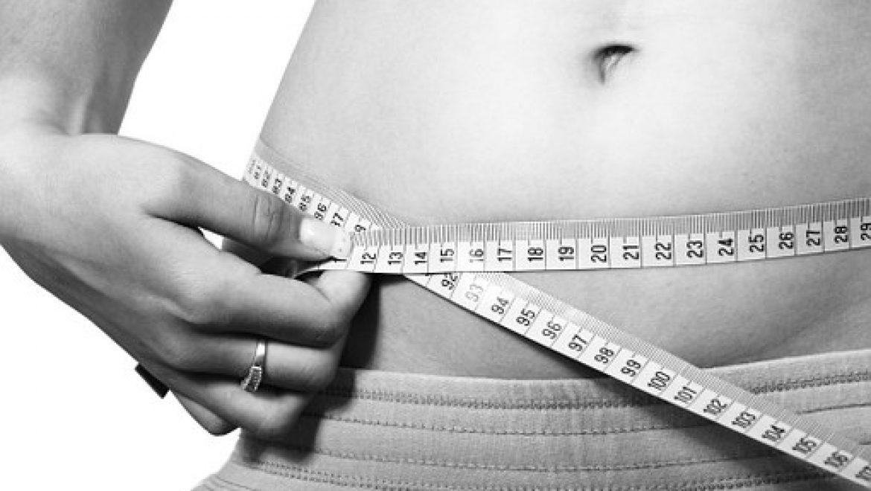 איך עובדת הטכניקה של המסת שומן בבטן