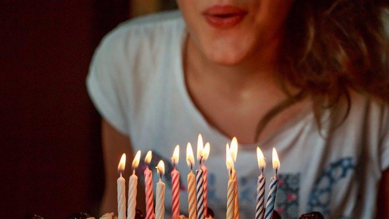 איך תפתיעי את הבסטי לקראת יום הולדתה?