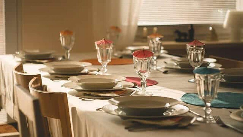 איך בוחרים שולחן לפינת אוכל?