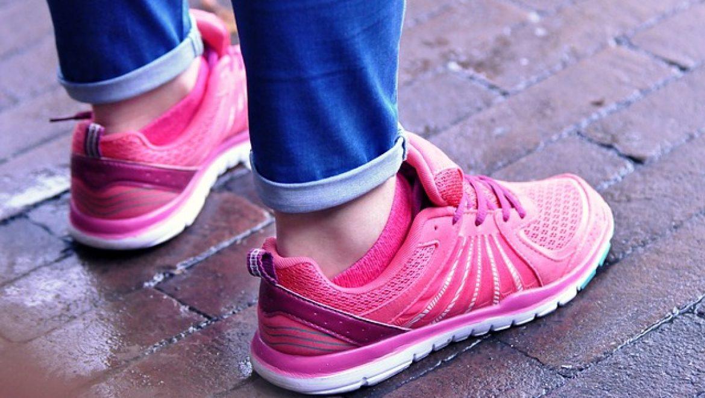 נעליים ספורטיביות לנשים