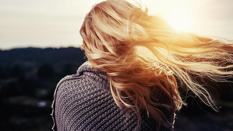 האם יש הליך השתלת שיער לנשים