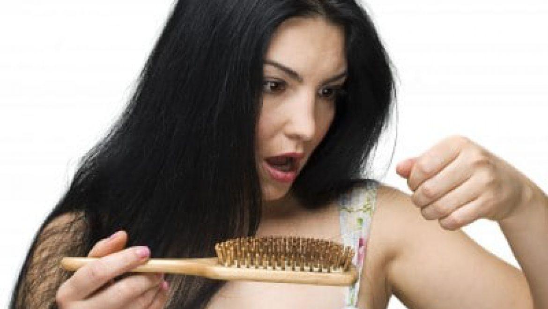 האם באמת קיימים פתרונות לנשירת שיער שעובדים?