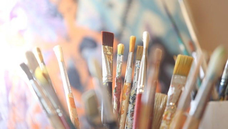 ציירות חובבות? כלי כתיבה וציוד שאתן חייבות בחדר העבודה
