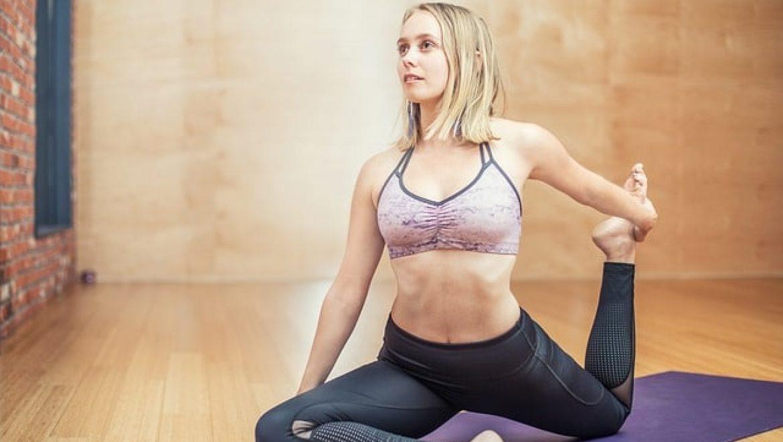 לבנת יוגה, מזרן יוגה ושלל ציוד שכל מתאמן זקוק לו